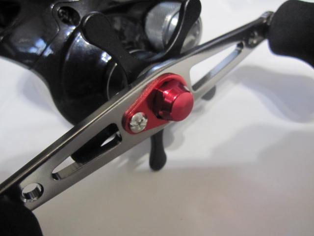 M7[赤レッド][右]ナット [10mm頭0.75P][アルミ・アルマイト] シマノ[M7に限る] 向け [社外品]