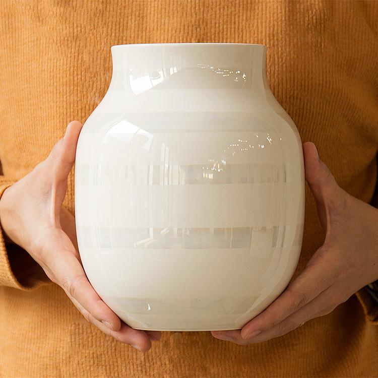 ケーラー Kahler オマジオ ベース 200mm 花瓶 花器 フラワーベース 花 インテリア 陶器 デンマーク ボーダー パール シルバー シンプ