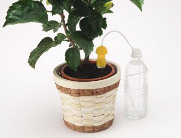 自動給水器 自動水やり器 水やり当番 Mサイズ×2個 旅行 留守 ベランダ プランター 菜園 ダリヤ