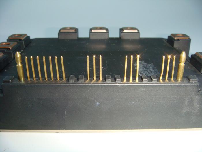6MBP200RD060-07 (1個) パワートランジスタモジュール FUJI 【中古】