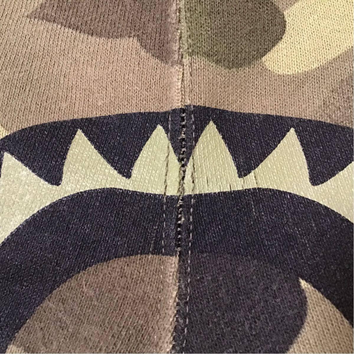 undefeated × bape シャーク スウェット ハーフパンツ Mサイズ shark shorts エイプ ベイプ アンディフィーテッド ショーツ BAPE camo 923