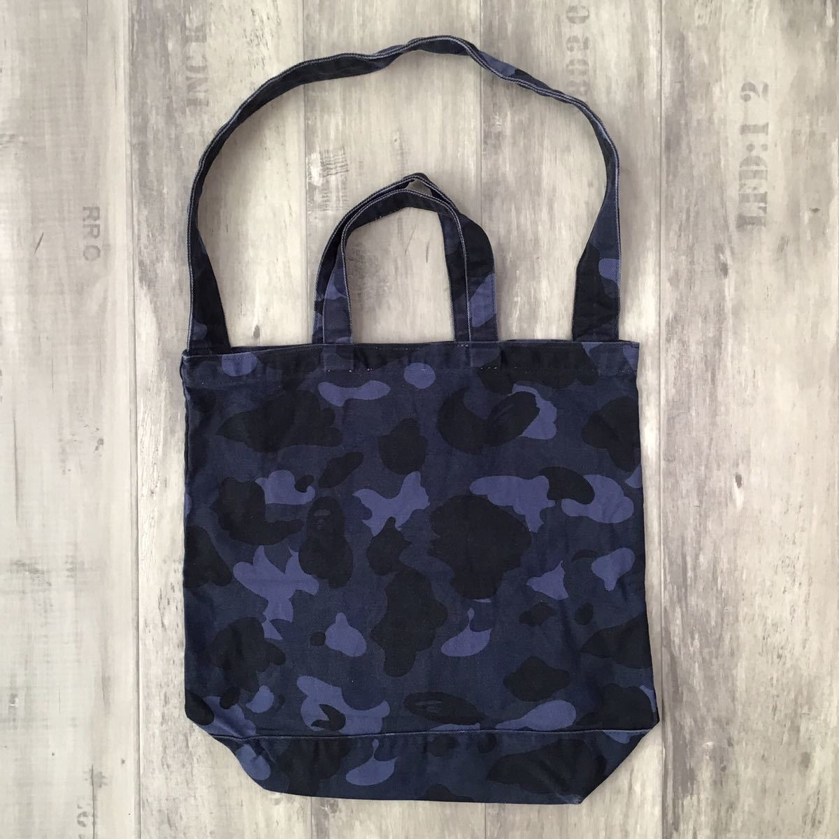 blue camo 2way トートバッグ a bathing ape bape tote bag エイプ ベイプ アベイシングエイプ 迷彩 バッグ ブルーカモ