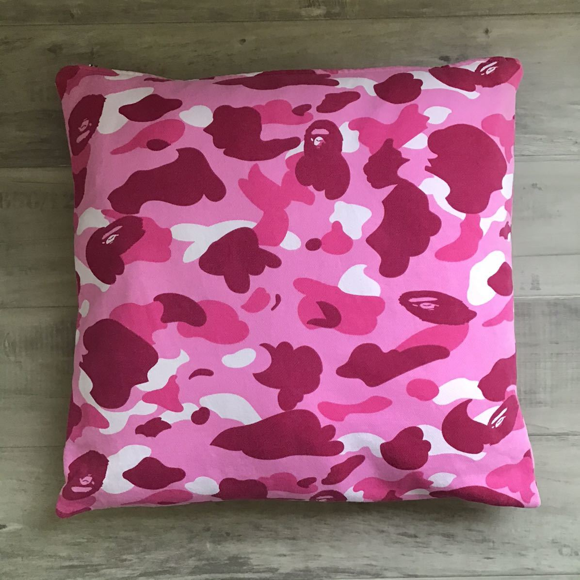 pink camo クッション a bathing ape BAPE cushion エイプ ベイプ アベイシングエイプ ピンクカモ 迷彩 nigo vintage