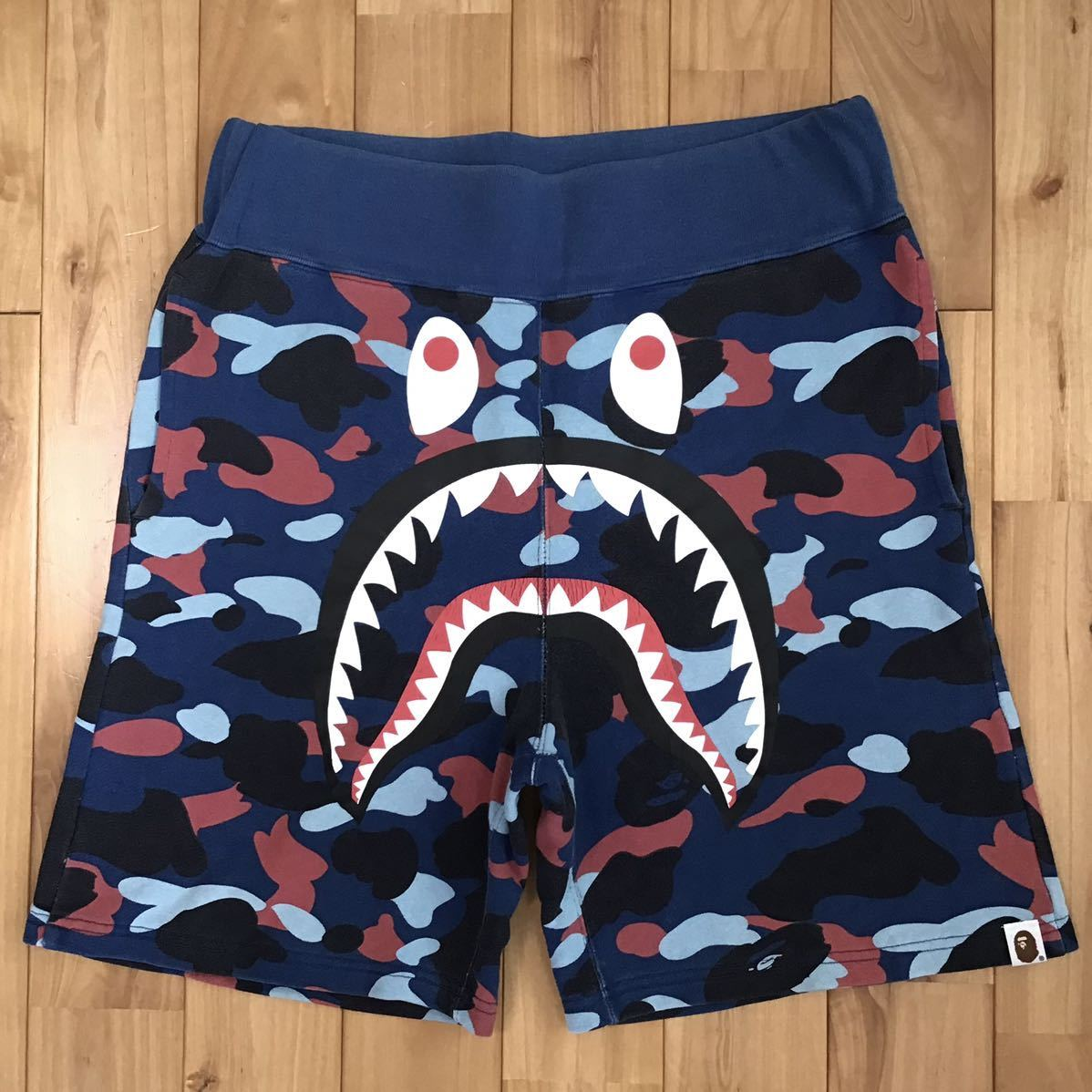 Multi camo シャーク ハーフパンツ Sサイズ a bathing ape BAPE shark shorts ショーツ エイプ ベイプ アベイシングエイプ 迷彩 68q