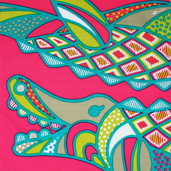 綿の風呂敷(ふろしき)kaaroシリーズ「AFRICA」ヤシトボク(ワニ)50cm ピンク