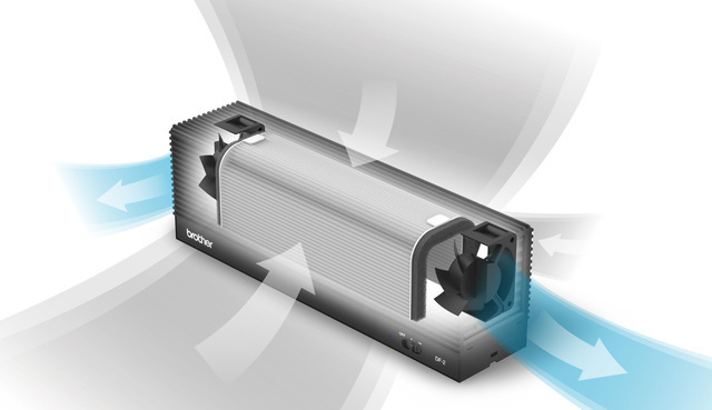 DF-2 会話の飛沫をすばやく吸引!ブラザー製のパーソナル空間向け小型空気清浄機