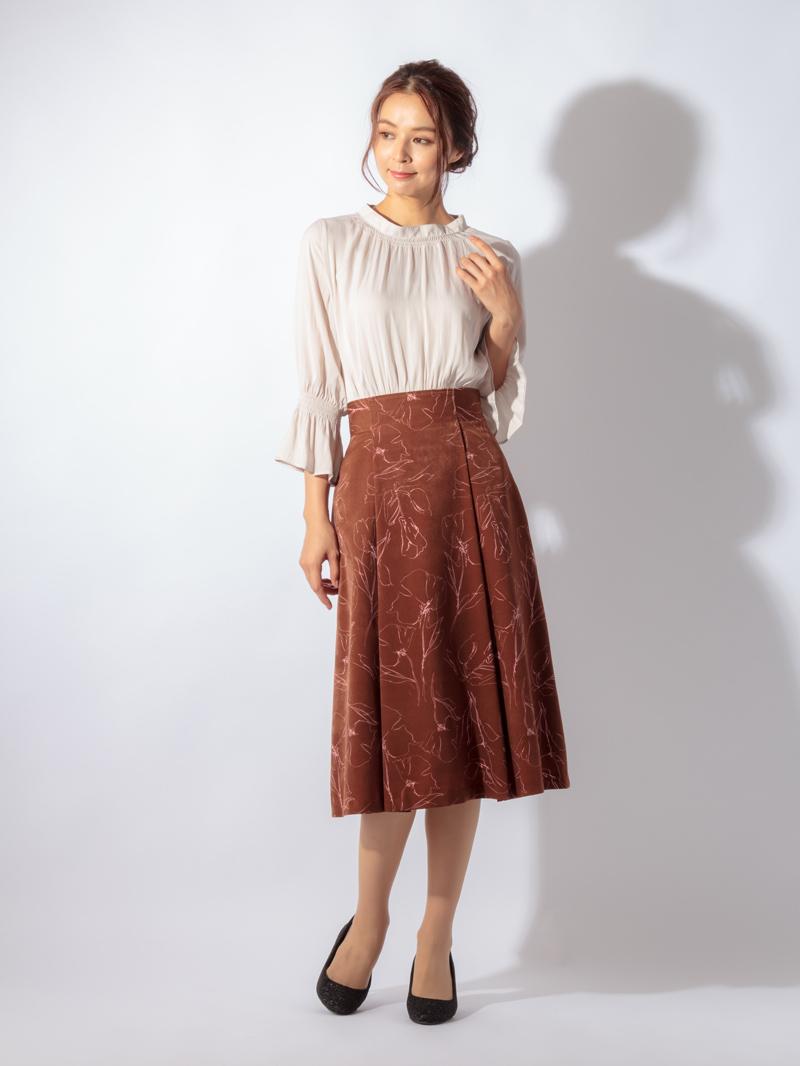 線画花柄プリントタックフレアースカート
