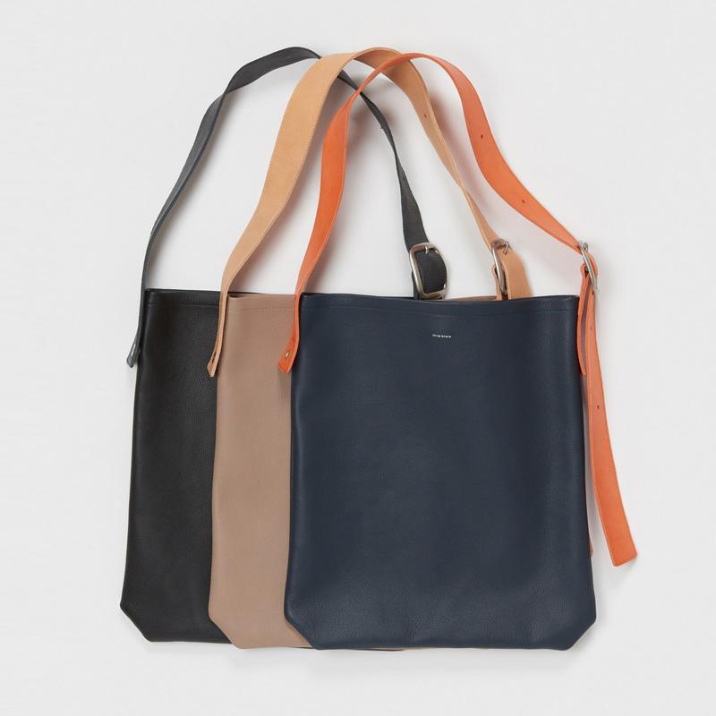 エンダースキーマ one side belt bag -navy-