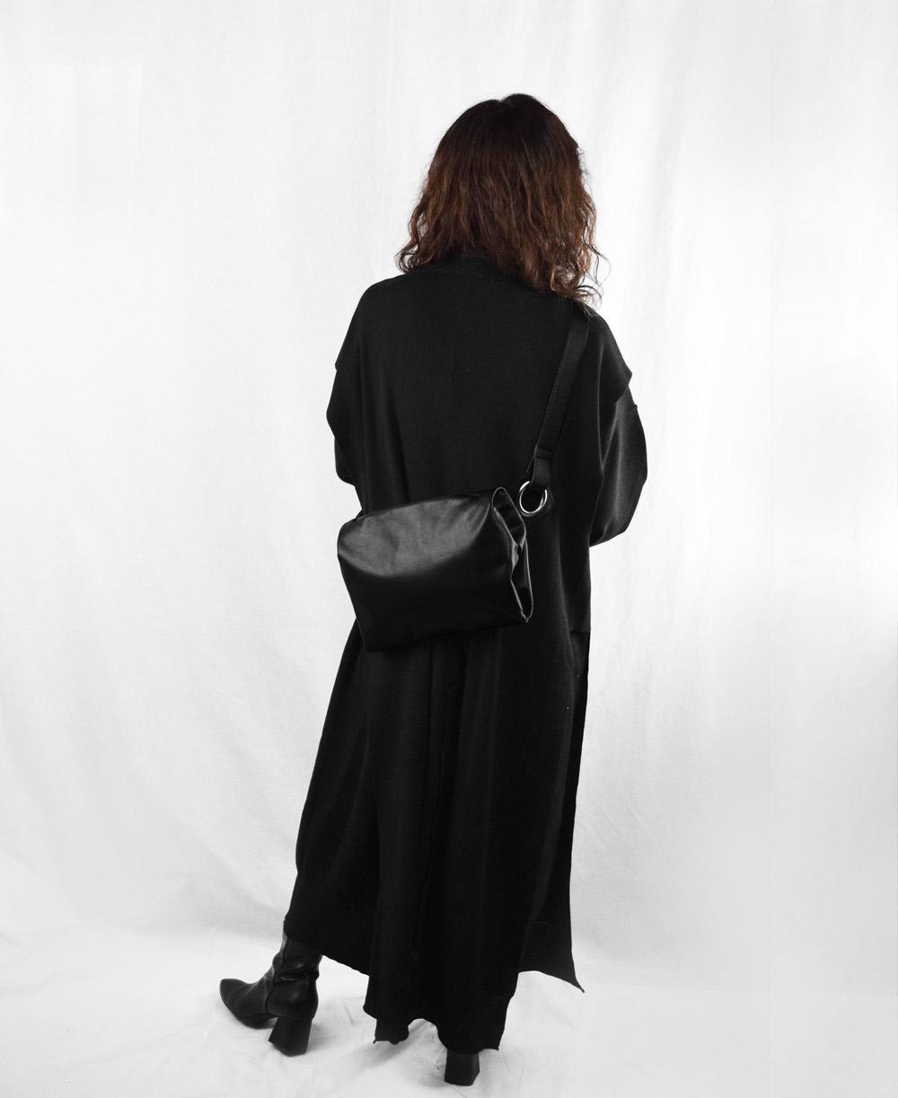 ★(BK)11月上旬再入荷予定 【soft】ボディバッグ Mサイズ