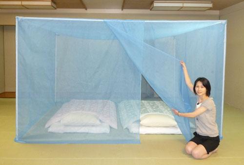 自立スタンド付 洗える大蚊帳(かぶせタイプ) ナイロン ブルー 4.5畳用