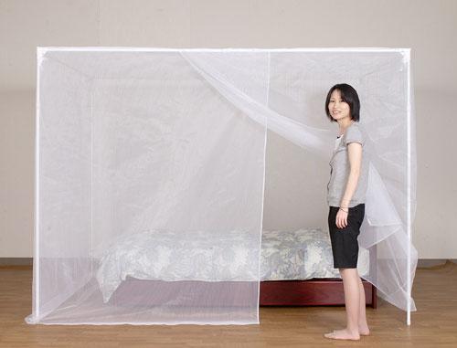 自立スタンド付 天然素材大蚊帳(かぶせタイプ) 片麻 白 シングル