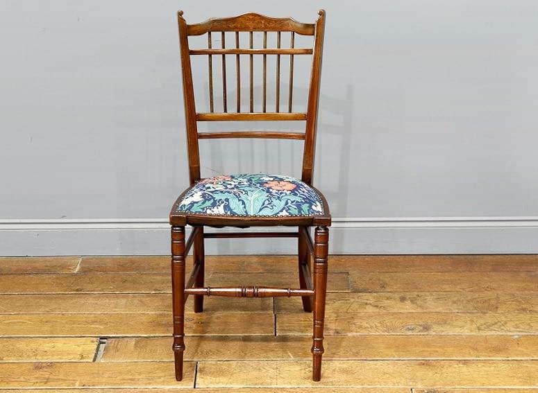 ベッドサイドチェア with William Morris