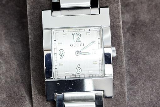 A550-20n0161【GUCCI(グッチ)】7700M シルバー文字盤 クォーツ時計