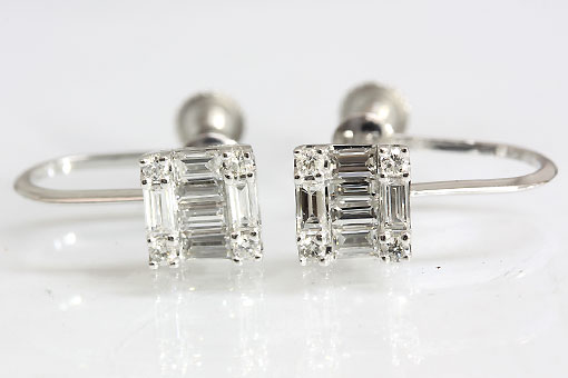 A553-20n0195【ダイヤモンド0.19cts×2】K18WGイヤリング
