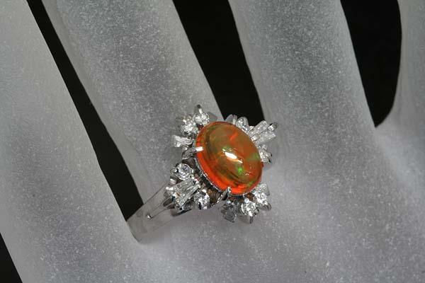A235-13z0041【オパール&ダイヤモンド】セミアンティークPt900リング