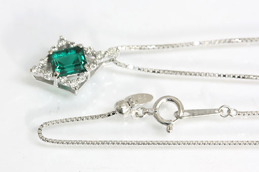 A547-20n0128【京セラ クレサンベール】K18WGダイヤモンド入りネックレス