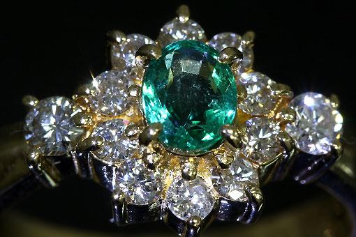 A548-20n0139【エメラルド&ダイヤモンド】K18ダイヤリング