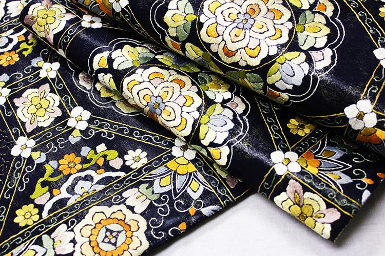 最高級袋帯「汕頭蘇州刺繍 亀甲唐花華紋」