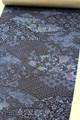 正絹の夏物駒絽小紋「波華紋に花々」