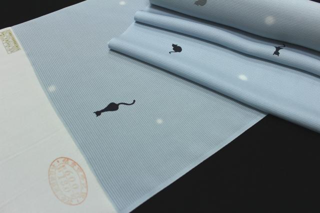 正絹の夏物駒絽小紋「猫に蛍ぼかし」