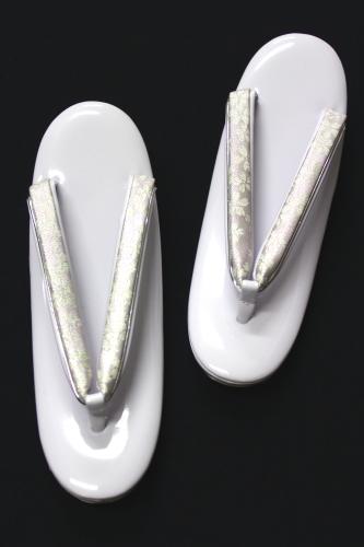 日本製草履 「薄紫地エナメル」