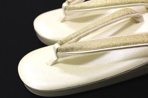 名門紗織謹製 礼装用草履「薄黄に金銀鼻緒」