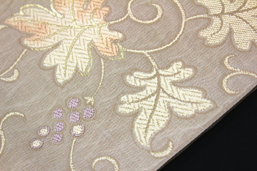 西陣織弥栄織物謹製 九寸名古屋帯「葡萄唐草」