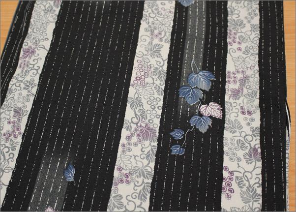 洗える着物 袷 小紋 Lサイズ 黒色系に縞と蔦柄
