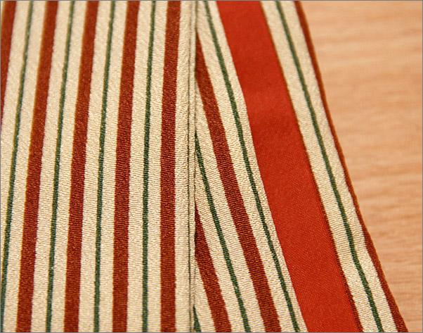東レシルック 洗える着物(袷・小紋) ベージュ地に赤の縞柄 フリーサイズ