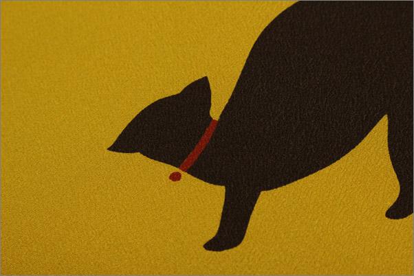 名古屋帯 からし色地にネコ柄 仕立て上がり