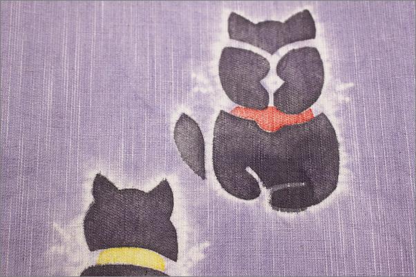 浴衣の半幅帯 (京の帽子絞り) 藤色地にネコ柄の帯