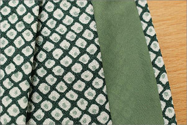 洗える着物 袷 小紋 緑色系地に染め疋田柄 Lサイズ