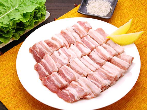 【焼肉 焼き肉】白ワイン漬け!香りが旨い!ソウルで大流行の豚3枚バラ焼肉「極旨」ワイン・サンギョップサル500gと煎り塩10gのセット(約5人前)(サムギョップサル・サムギョプサル・サンギョプサル 豚カルビ テジカルビ バーベキュー BBQ)【冷凍便】