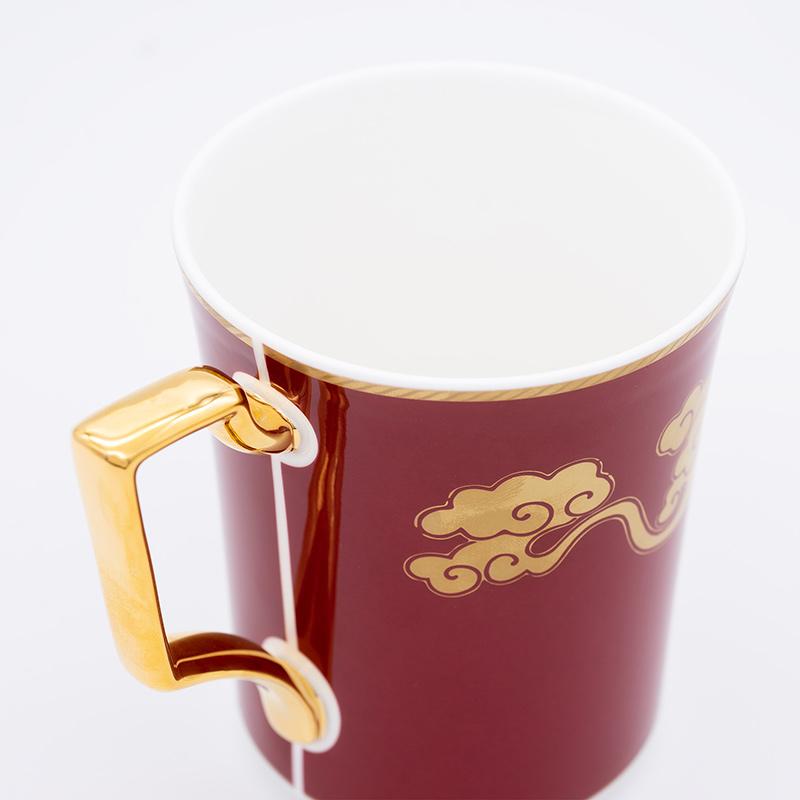 [KIRA KARACHO × Noritake]天平大雲 マグカップ (赤)