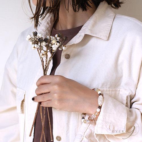 【春の足音 〜老玉髄 白水蓮花天珠ブレスレット〜】【メール便不可】