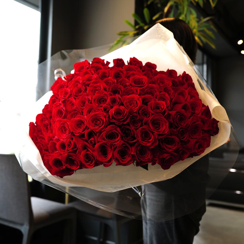 赤薔薇ゴールドラメ 100本の花束