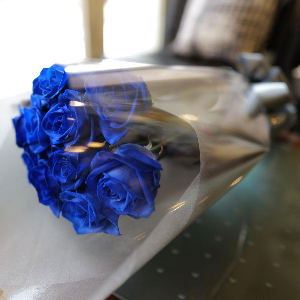 青いバラ 10本の花束