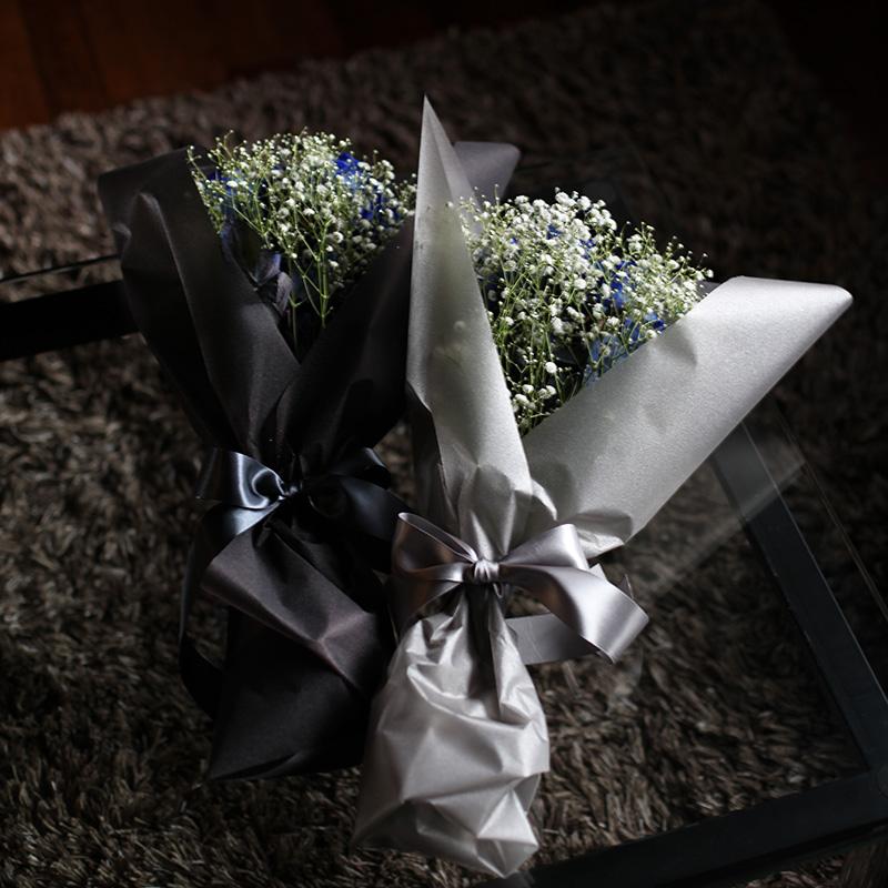 特大花束!キラキラ青いバラ200本 キラキラかすみ草付