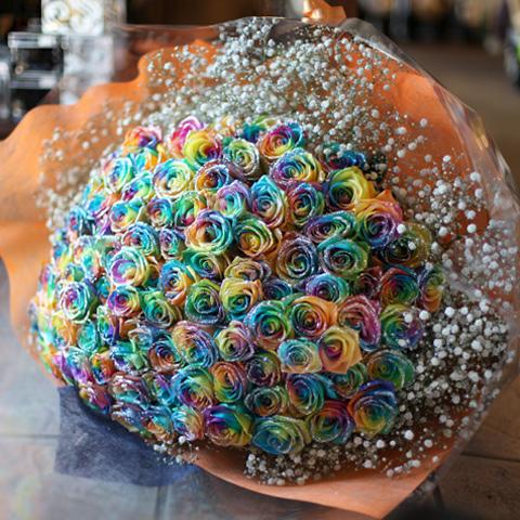 キラキラレインボーローズ 100本の花束