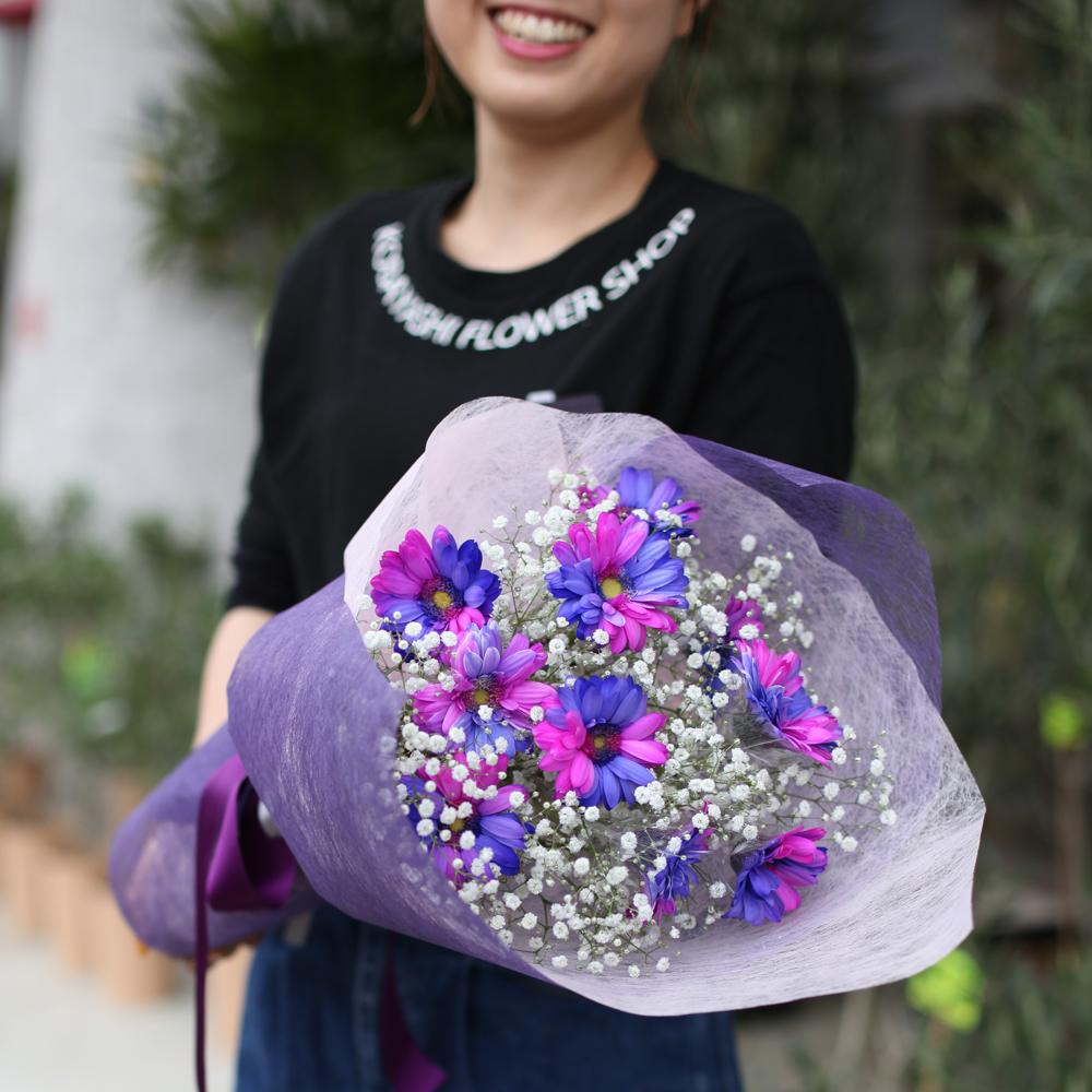バイカラーガーベラ(ピンク×パープル)10本の花束(キラキラかすみ草付き)