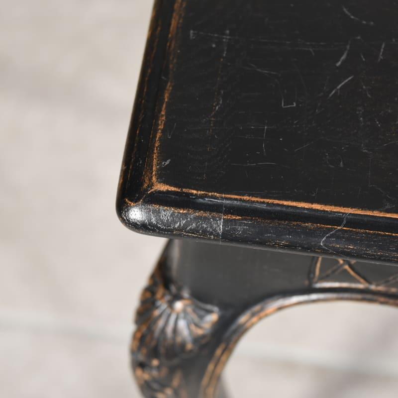 ナポレオン3世スタイル 漆黒ペイントのテーブル