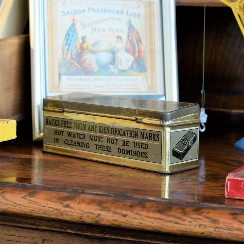 おしゃれなブリキ缶に入った イギリス製のインペリアル ドミノ
