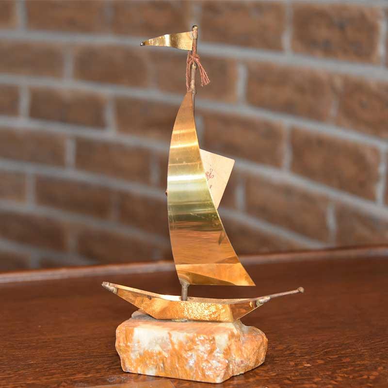 ヨットのオブジェ