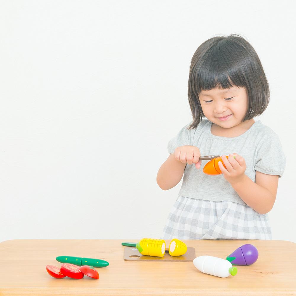 ウッディプッディ はじめてのおままごとサラダセット(木箱入り)