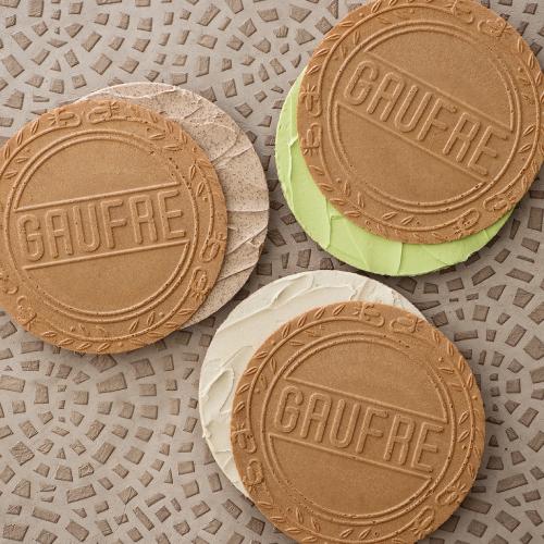 ゴーフルデュオ・グーテD30 -バニラ、ストロベリー風味、チョコレートのクリームをサンド
