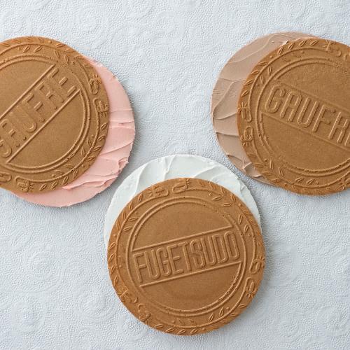 ゴーフルデュオ・グーテD50 -バニラ、ストロベリー風味、チョコレートのクリームをサンド