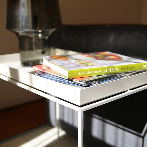 HAY (ヘイ)<br>TRAY TABLE Side table rectangular<br>サイドテーブル/コーヒーテーブル<br>ワームグレー 北欧家具<br>【受注発注の為キャンセル/返品不可】<br>【大型送料】