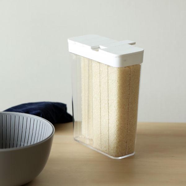 YAMAZAKI tower (タワー) 冷蔵庫用米びつ(1合分別) 1.8kg(お米12合分) ホワイト ライスストッカー/収納