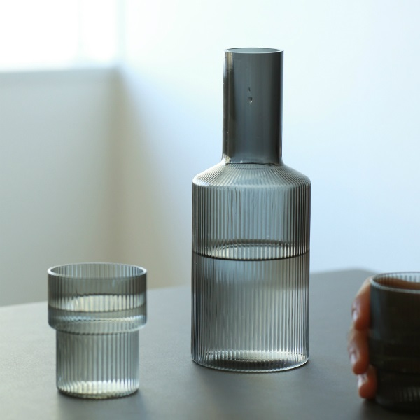 ferm LIVING (ファームリビング) Ripple Carafe (リップル カラフェ) スモークグレー 北欧/ガラス食器/日本正規代理店品