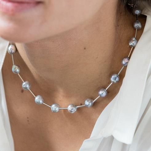 プラチナグレーカラーアコヤ真珠 バロック ステーションネックレス